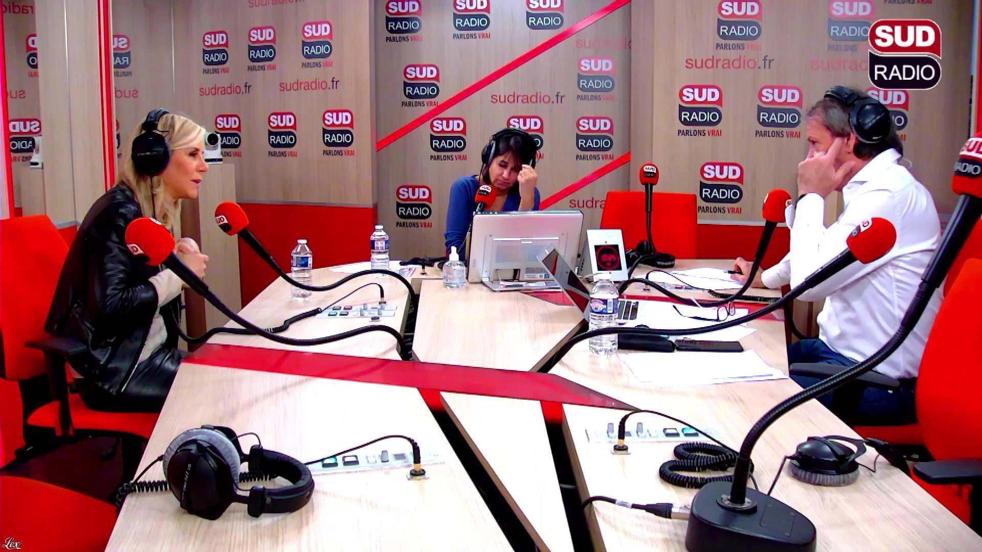 Laurence Ferrari dans En Attendant Midi. Diffusé à la télévision le 26/11/18.