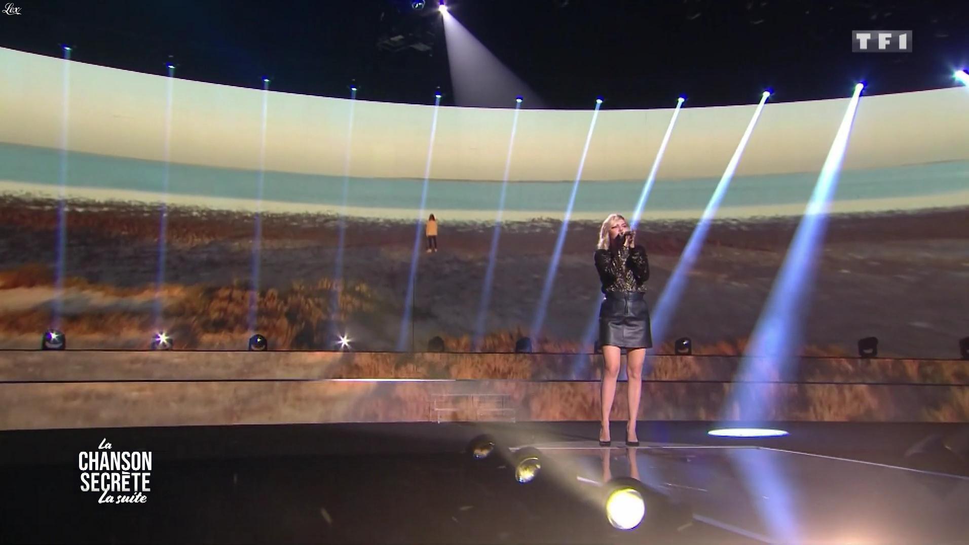 Louane dans la Chanson Secrète. Diffusé à la télévision le 29/12/18.