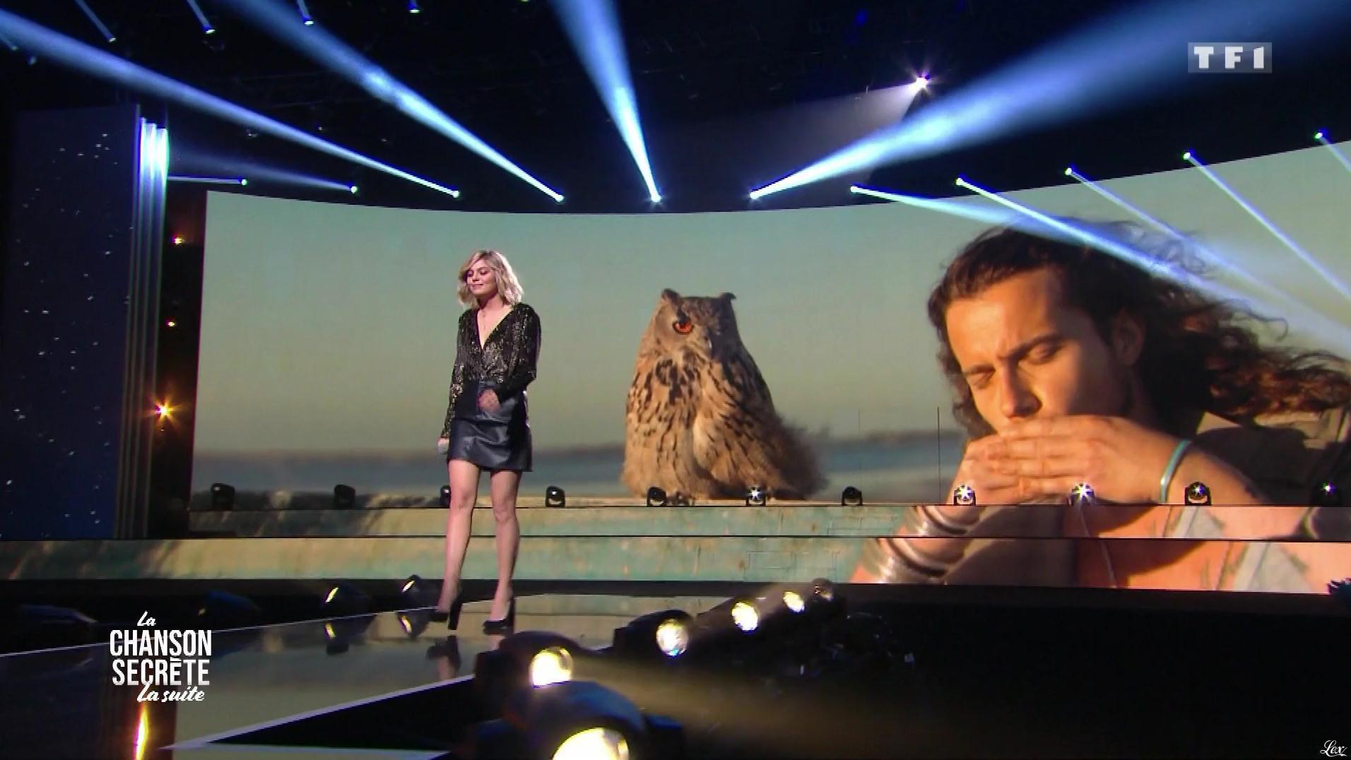 Louane dans la Chanson Secrete. Diffusé à la télévision le 29/12/18.