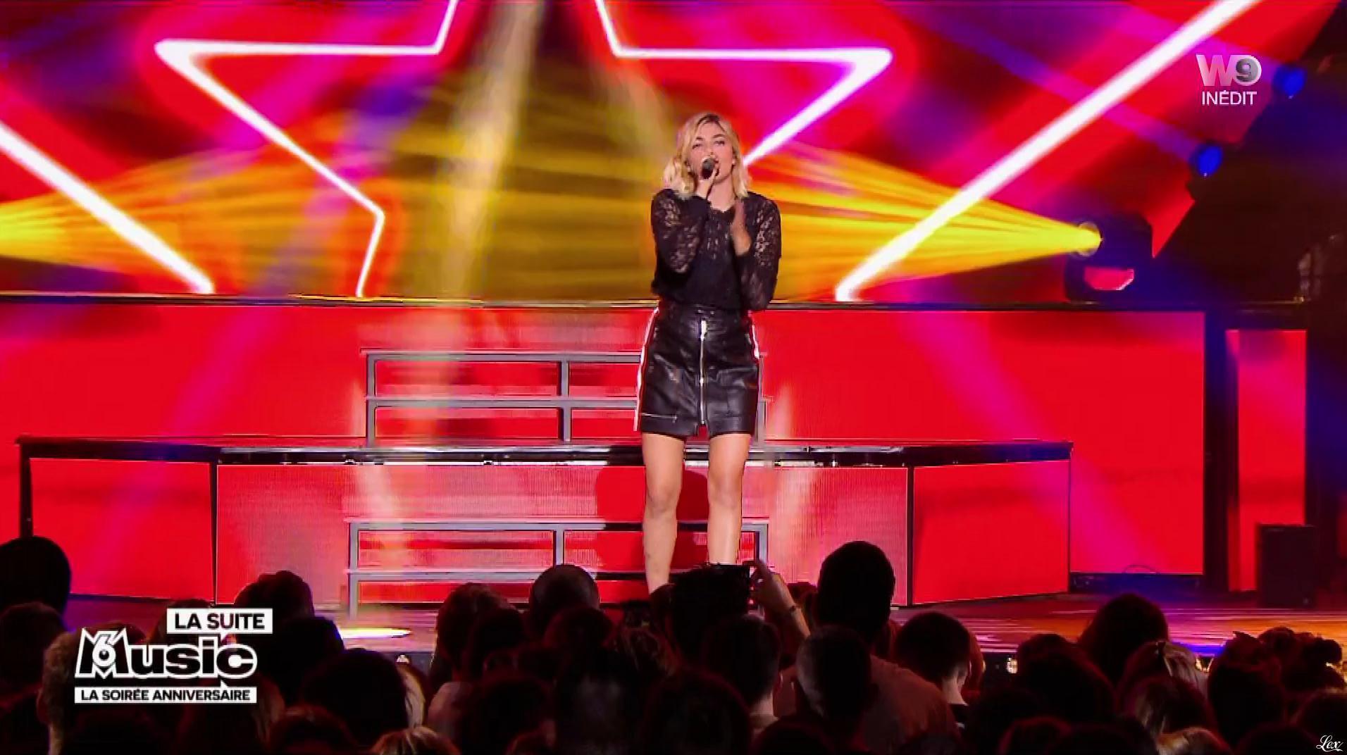 Louane dans M6 Music les 20 Ans. Diffusé à la télévision le 02/10/18.