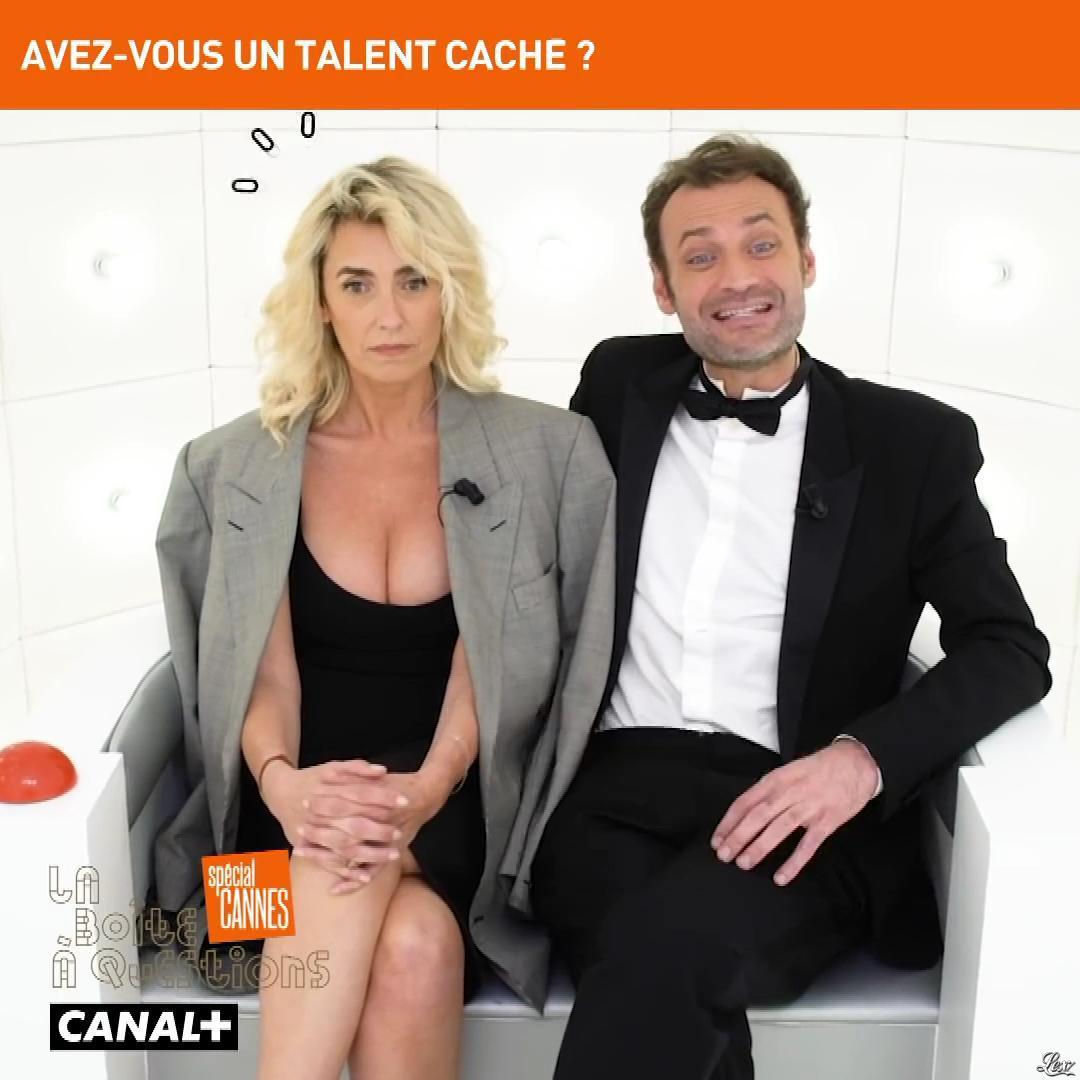 Mademoiselle Agnès dans la Boite à Questions. Diffusé à la télévision le 15/05/19.