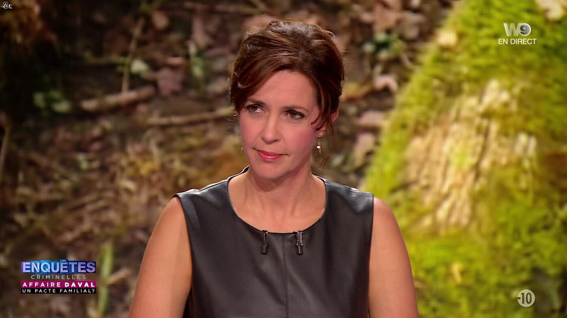 Nathalie Renoux dans Enquêtes Criminelles. Diffusé à la télévision le 26/09/18.