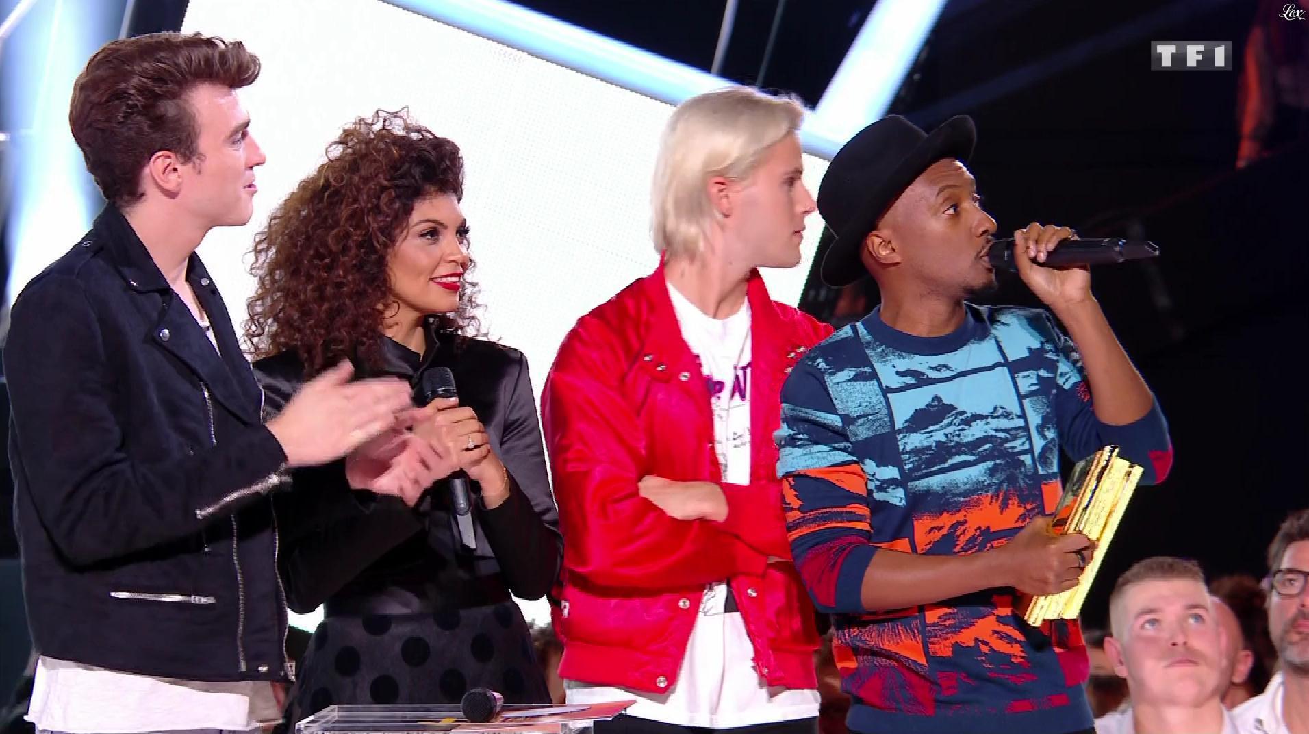 Nawell Madani dans les NRJ Music Awards. Diffusé à la télévision le 04/11/17.