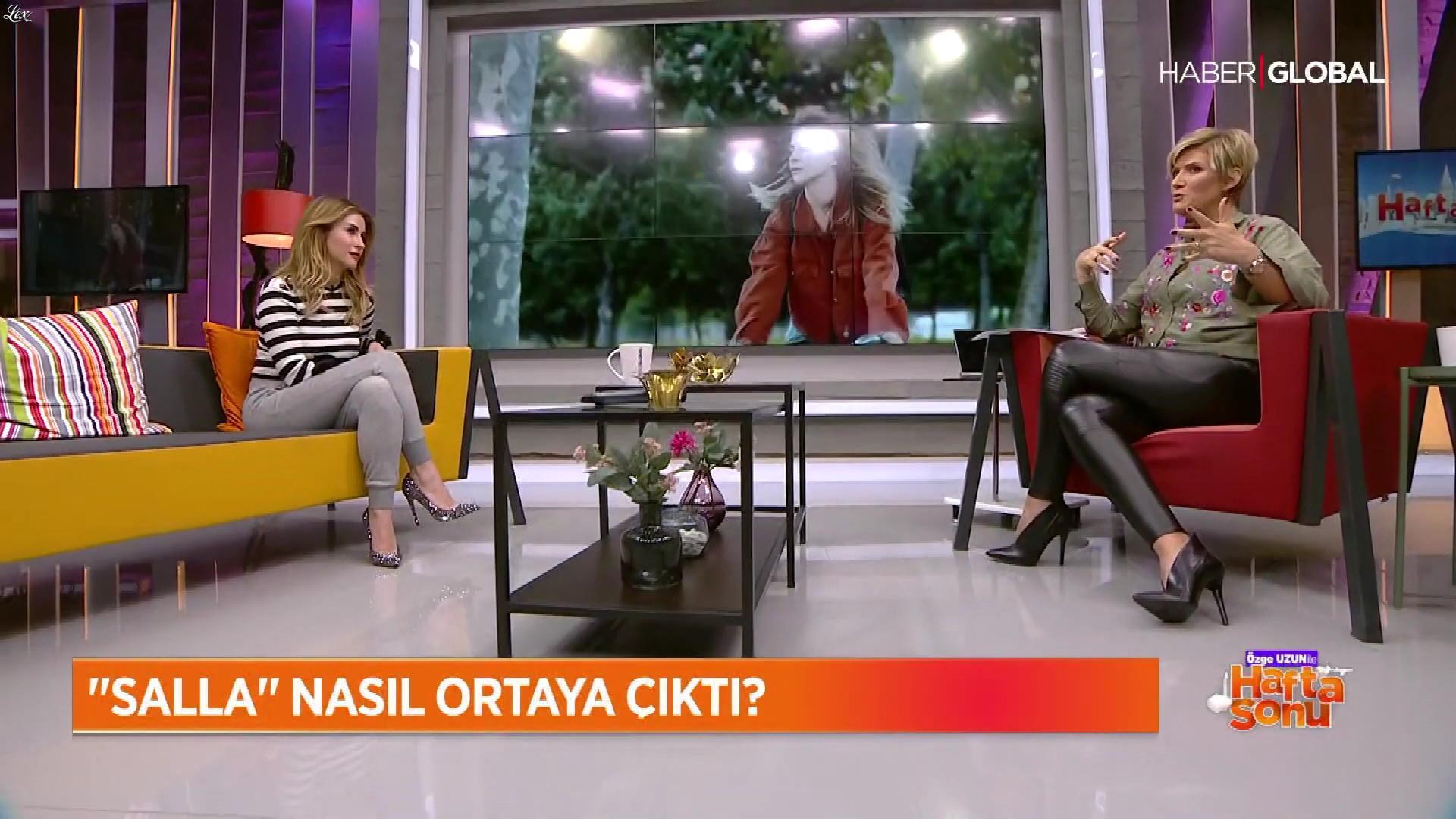 Ozge Uzun dans Ozge Uzun Ile Hafta Sonu. Diffusé à la télévision le 18/11/18.