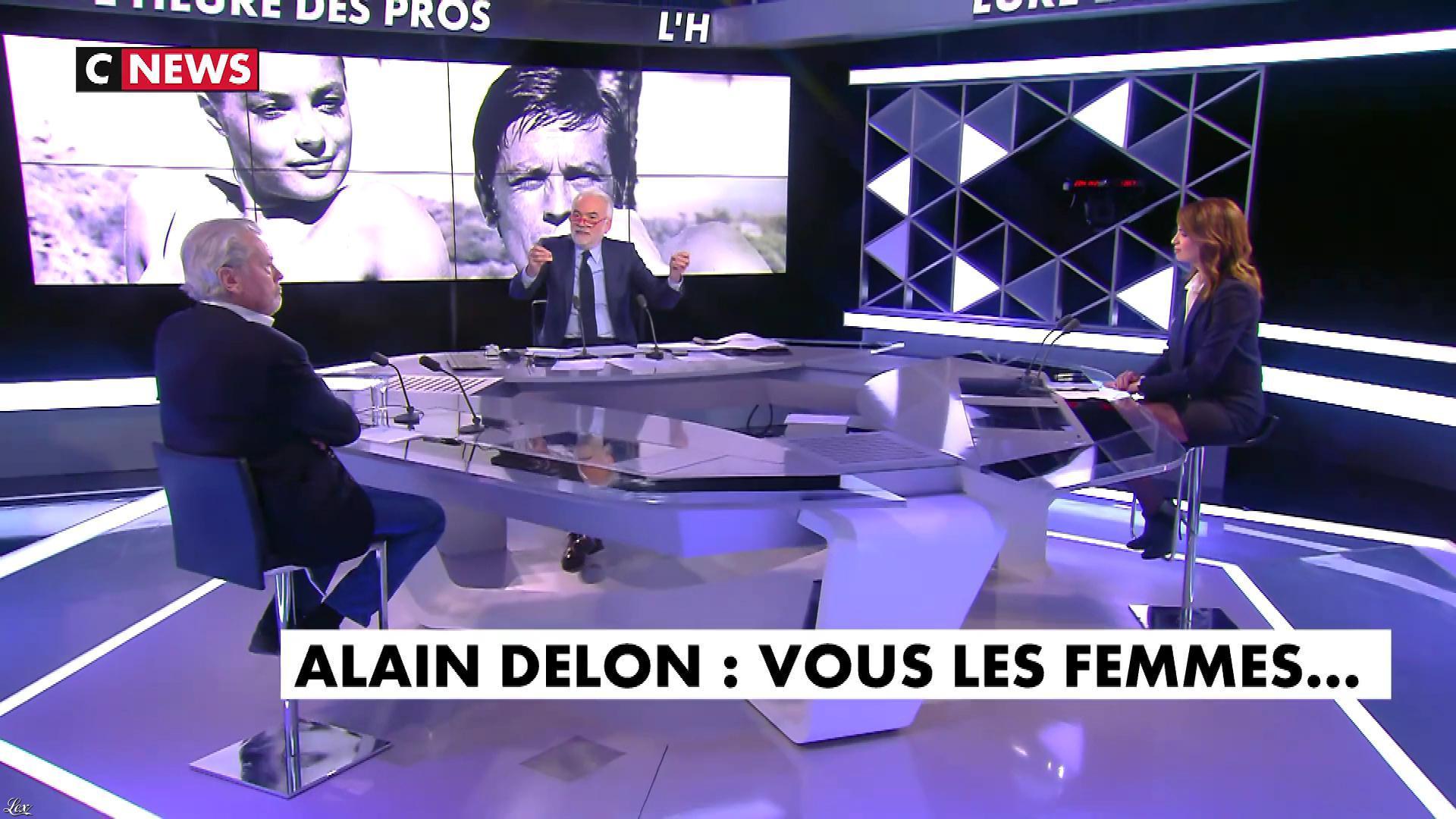 Sonia Mabrouk dans l'Heure des Pros. Diffusé à la télévision le 18/04/19.