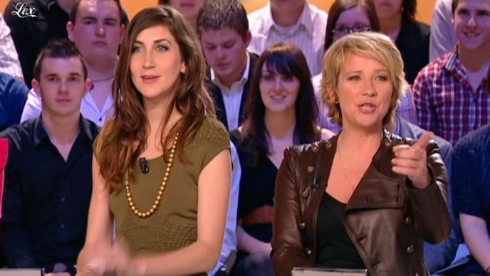 Ariane Massenet dans le Grand Journal De Canal Plus. Diffusé à la télévision le 08/04/10.