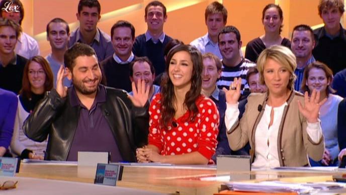 Elise Chassaing dans le Grand Journal De Canal Plus. Diffusé à la télévision le 07/01/10.