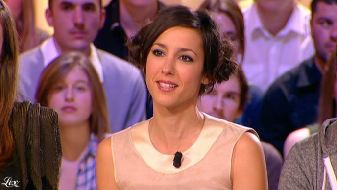 Elise Chassaing dans le Grand Journal De Canal Plus. Diffusé à la télévision le 23/04/10.