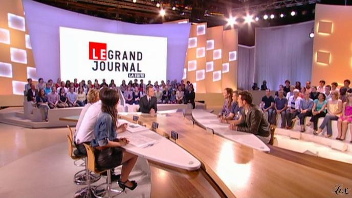 Elise Chassaing dans le Grand Journal De Canal Plus. Diffusé à la télévision le 28/04/10.