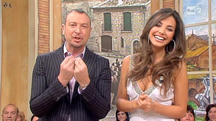 Laura Barriales dans Mezzogiorno In Famiglia. Diffusé à la télévision le 21/11/10.