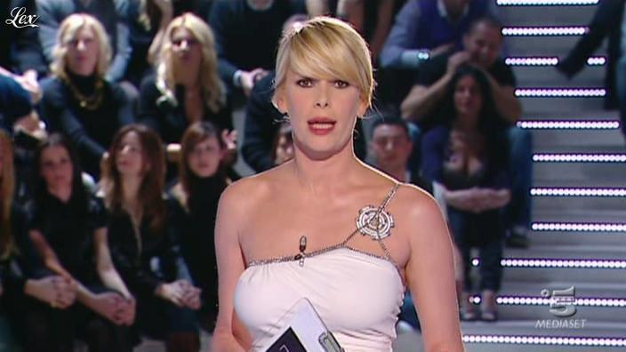 Alessia Marcuzzi dans Grande Fratello. Diffusé à la télévision le 15/02/10.