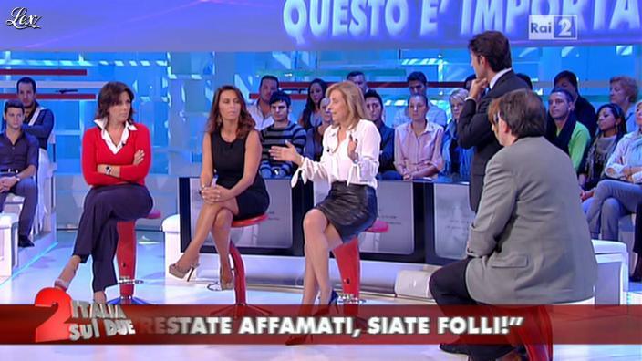 Antonella Boralevi dans Italia Sul Due. Diffusé à la télévision le 07/10/11.