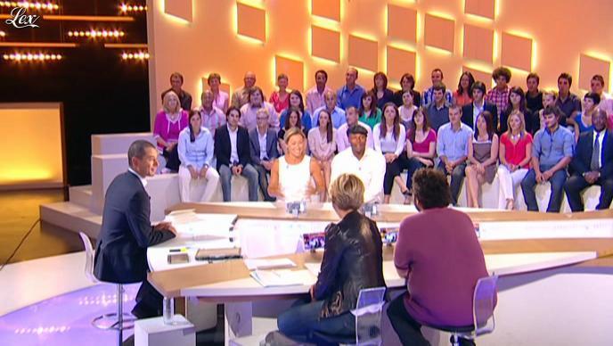 Ariane Massenet dans le Grand Journal de Canal Plus. Diffusé à la télévision le 03/06/11.