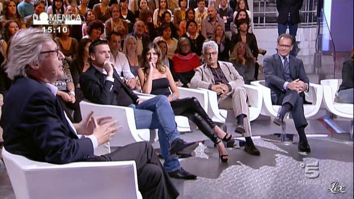 Emanuela Tittocchia dans DomeniÇa Cinque. Diffusé à la télévision le 09/10/11.