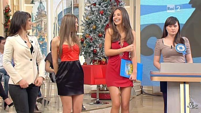 Laura Barriales et Lorena Bianchetti dans Mezzogiorno in Famiglia. Diffusé à la télévision le 09/01/11.