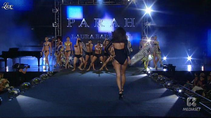 Laura Barriales dans Sfilata d'Amore e Moda. Diffusé à la télévision le 27/06/11.