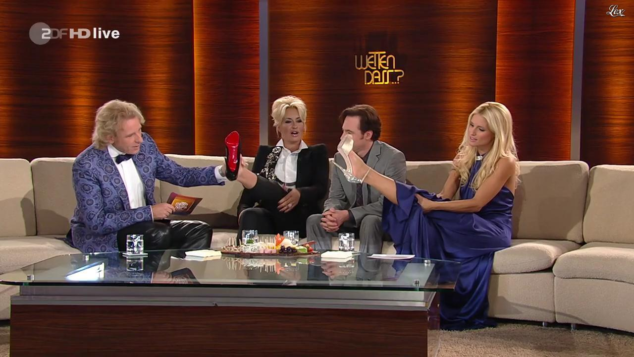 Sarah Connor et Michelle Hunziker dans Wetten Dass. Diffusé à la télévision le 08/10/11.