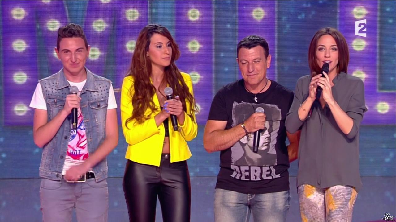 Adrianne dans un Air de Famille. Diffusé à la télévision le 28/09/13.