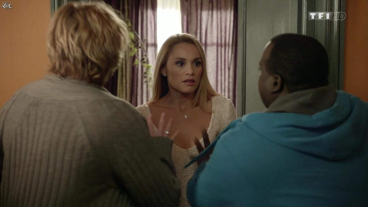 Joy Esther dans Nos Chers Voisins. Diffusé à la télévision le 22/02/14.