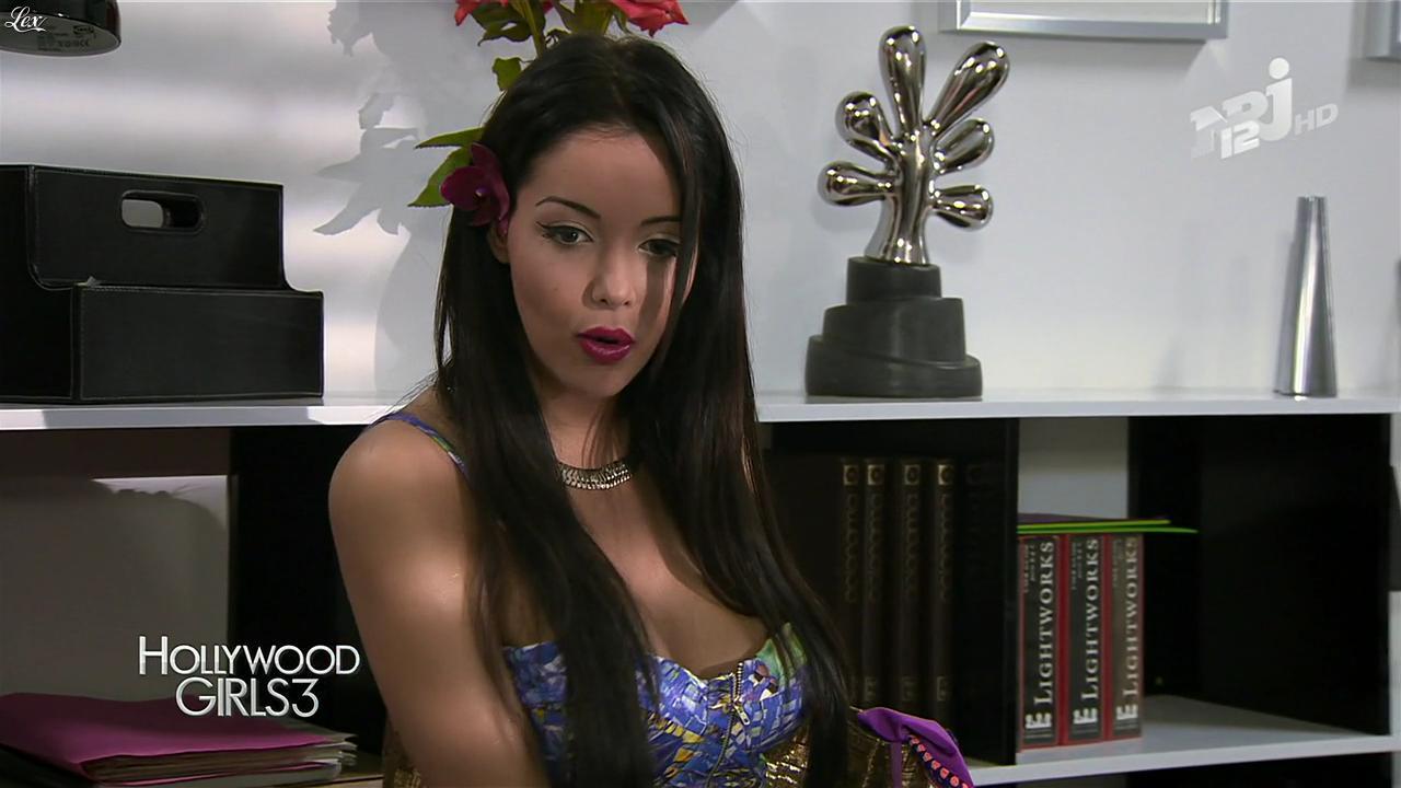 Nabilla Benattia dans Hollywood Girls. Diffusé à la télévision le 13/12/13.
