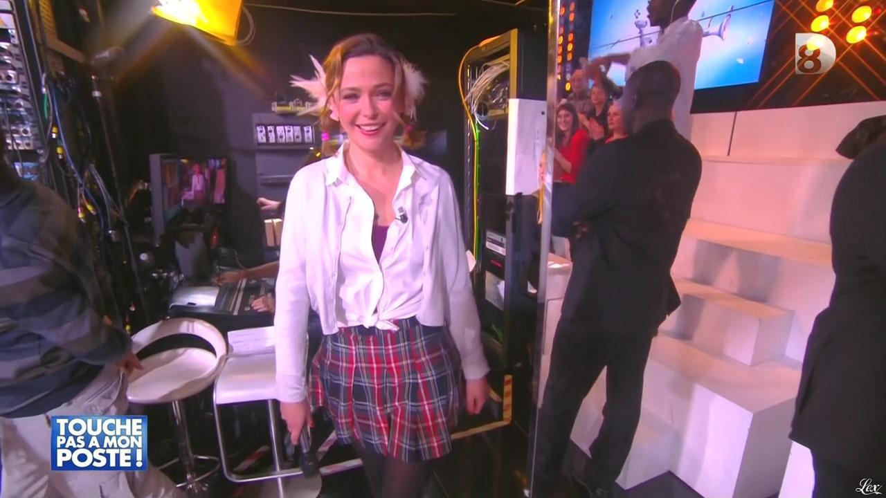 Sandrine Quétier dans Touche pas à mon Poste. Diffusé à la télévision le 06/02/15.