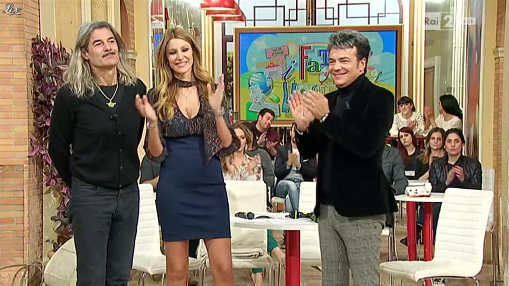Adriana Volpe dans I Fatti Vostri. Diffusé à la télévision le 04/03/16.