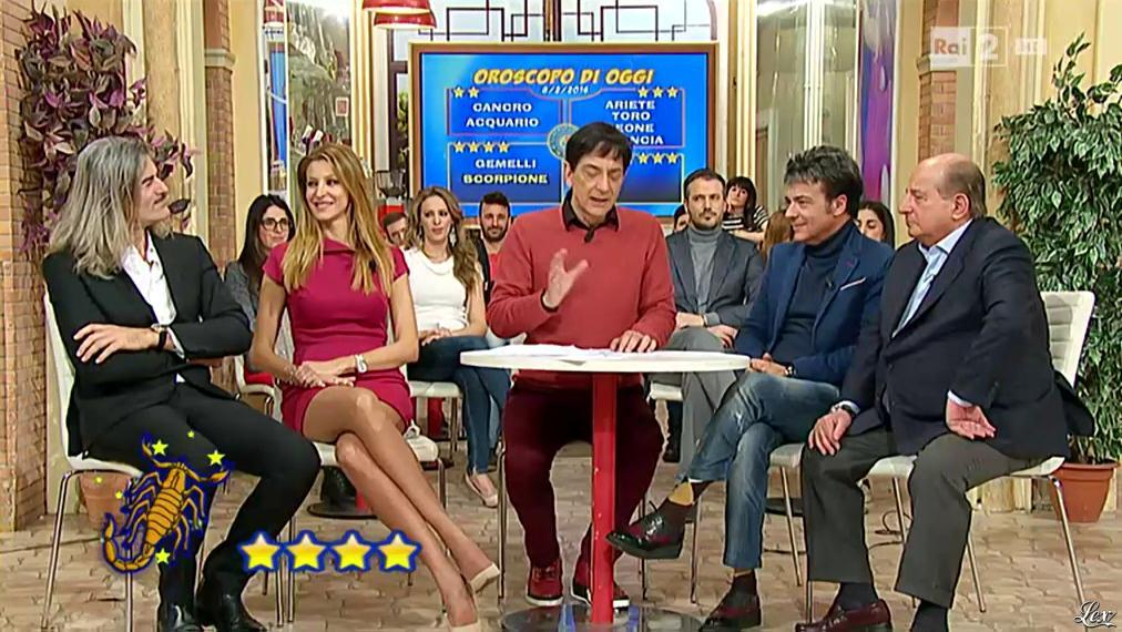 Adriana Volpe dans I Fatti Vostri. Diffusé à la télévision le 08/02/16.