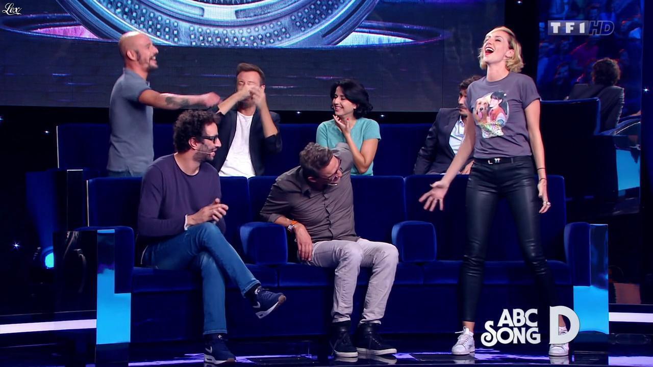 Anne-Sophie Girard dans Vendredi, Tout Est Permis. Diffusé à la télévision le 27/11/15.