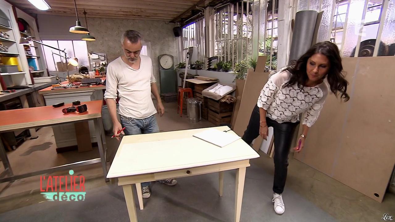 Aurélie Hemar dans l'Atelier Deco. Diffusé à la télévision le 12/12/15.