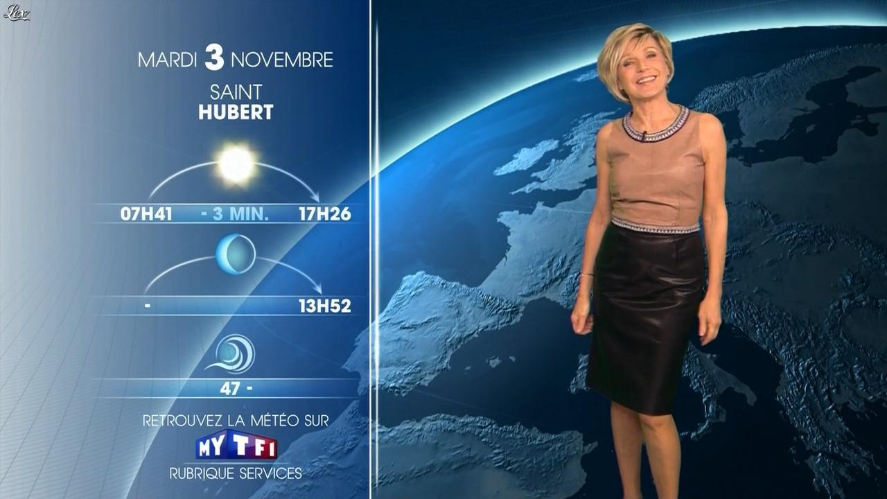 Evelyne Dhéliat à la Météo de 20h. Diffusé à la télévision le 02/11/15.