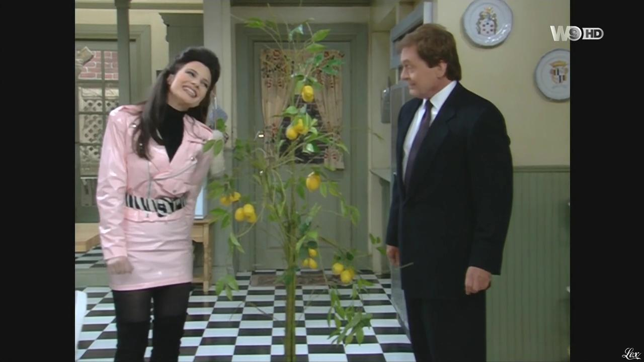 Fran Drescher dans une Nounou d'Enfer. Diffusé à la télévision le 31/12/15.