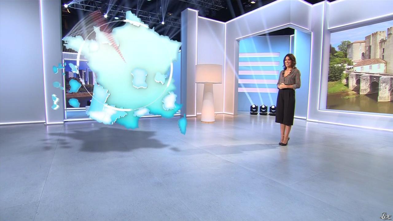 Laurie Cholewa lors du Tirage du Loto. Diffusé à la télévision le 28/11/15.