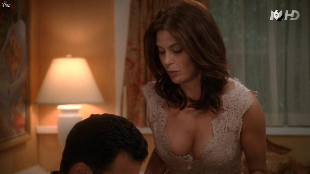 Teri Hatcher dans Desperate Housewives. Diffusé à la télévision le 16/11/15.