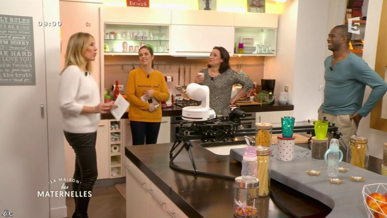 Agathe Lecaron dans la Maison des Maternelles. Diffusé à la télévision le 09/12/16.