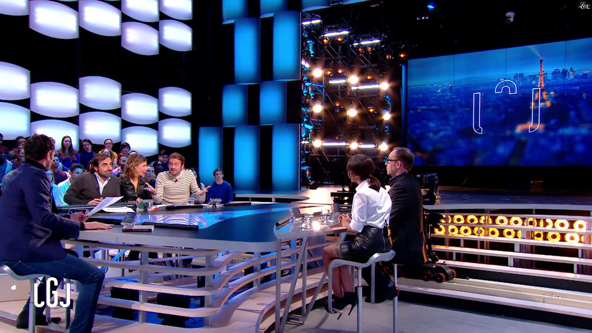 Alice Darfeuille et Leïla Bekhti dans le Grand Journal. Diffusé à la télévision le 28/11/16.