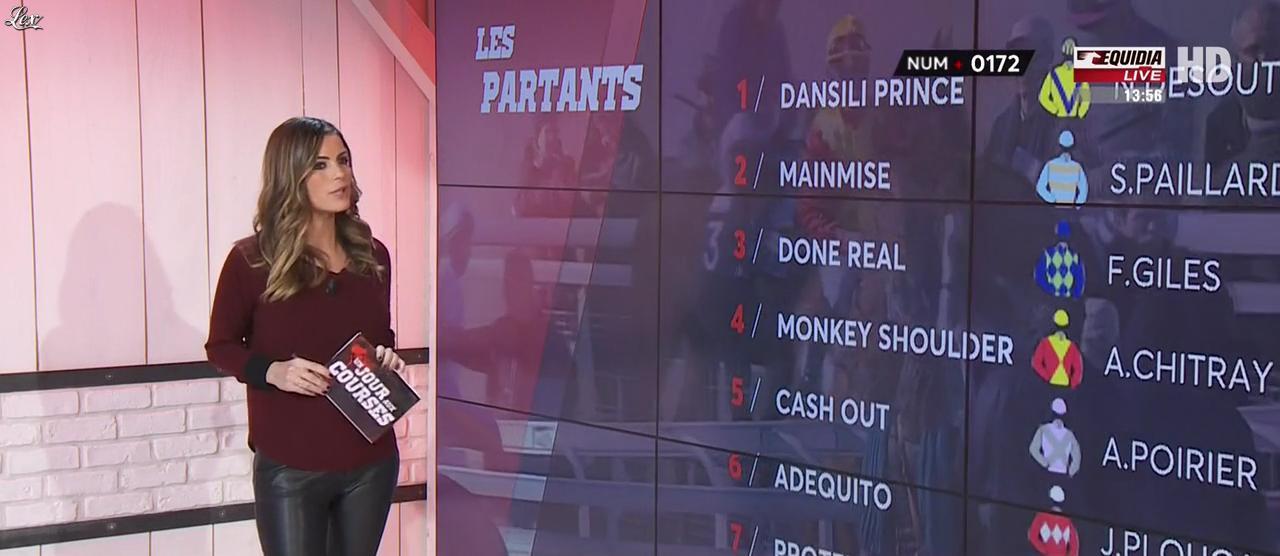 Amélie Bitoun dans un Jour aux Courses. Diffusé à la télévision le 09/01/17.