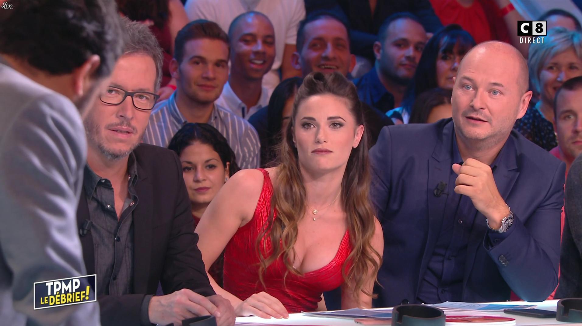 Capucine Anav dans Touche pas à mon Poste. Diffusé à la télévision le 13/10/16.