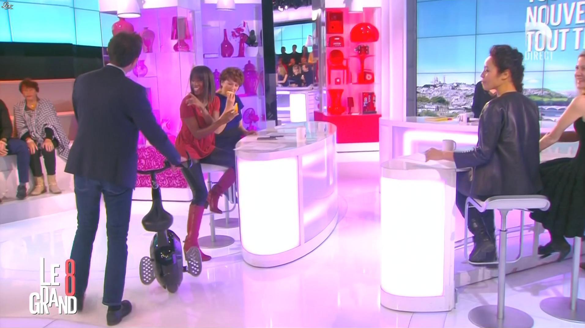 Hapsatou Sy et Aïda Touihri dans le Grand 8. Diffusé à la télévision le 20/01/16.