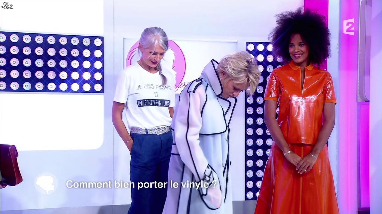 Inconnue et Sophie Davant dans c'est au Programme. Diffusé à la télévision le 12/09/16.