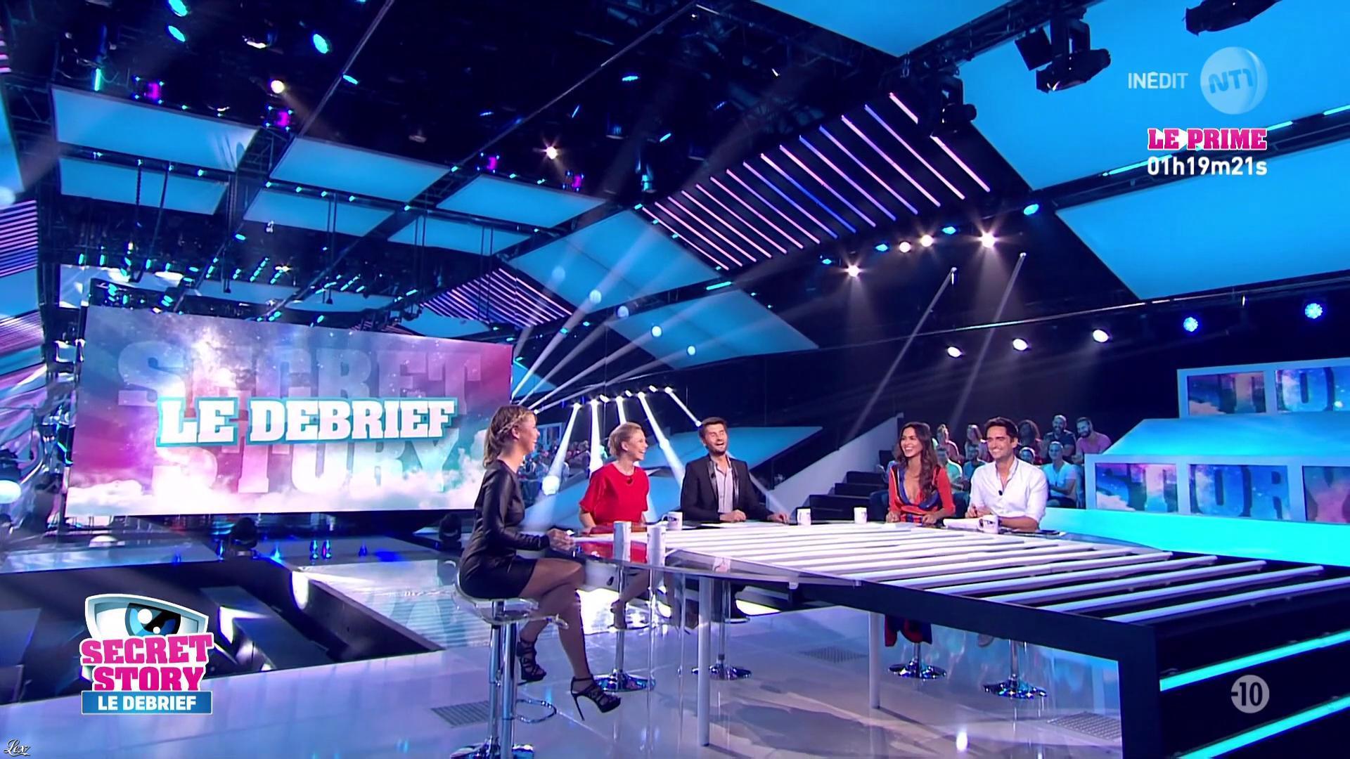 Leïla Ben Khalifa et Emilie Fiorelli dans Secret Story le Debrief. Diffusé à la télévision le 08/09/16.