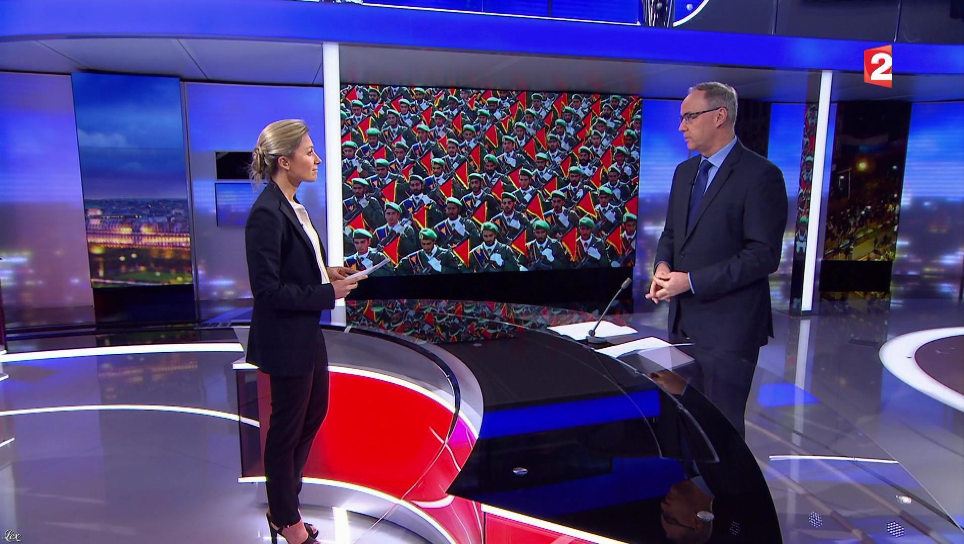 Anne-Sophie Lapix dans le 20h. Diffusé à la télévision le 01/01/18.