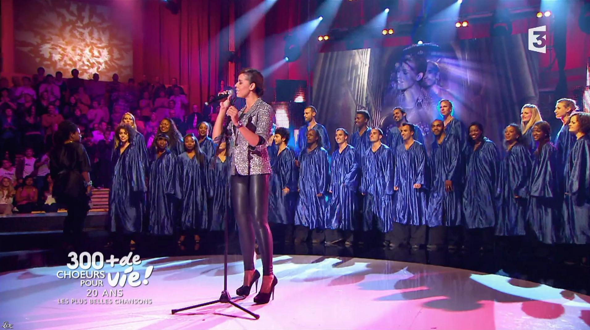 Chimène Badi dans 300 Chœurs pour Plus de Vie. Diffusé à la télévision le 29/09/17.