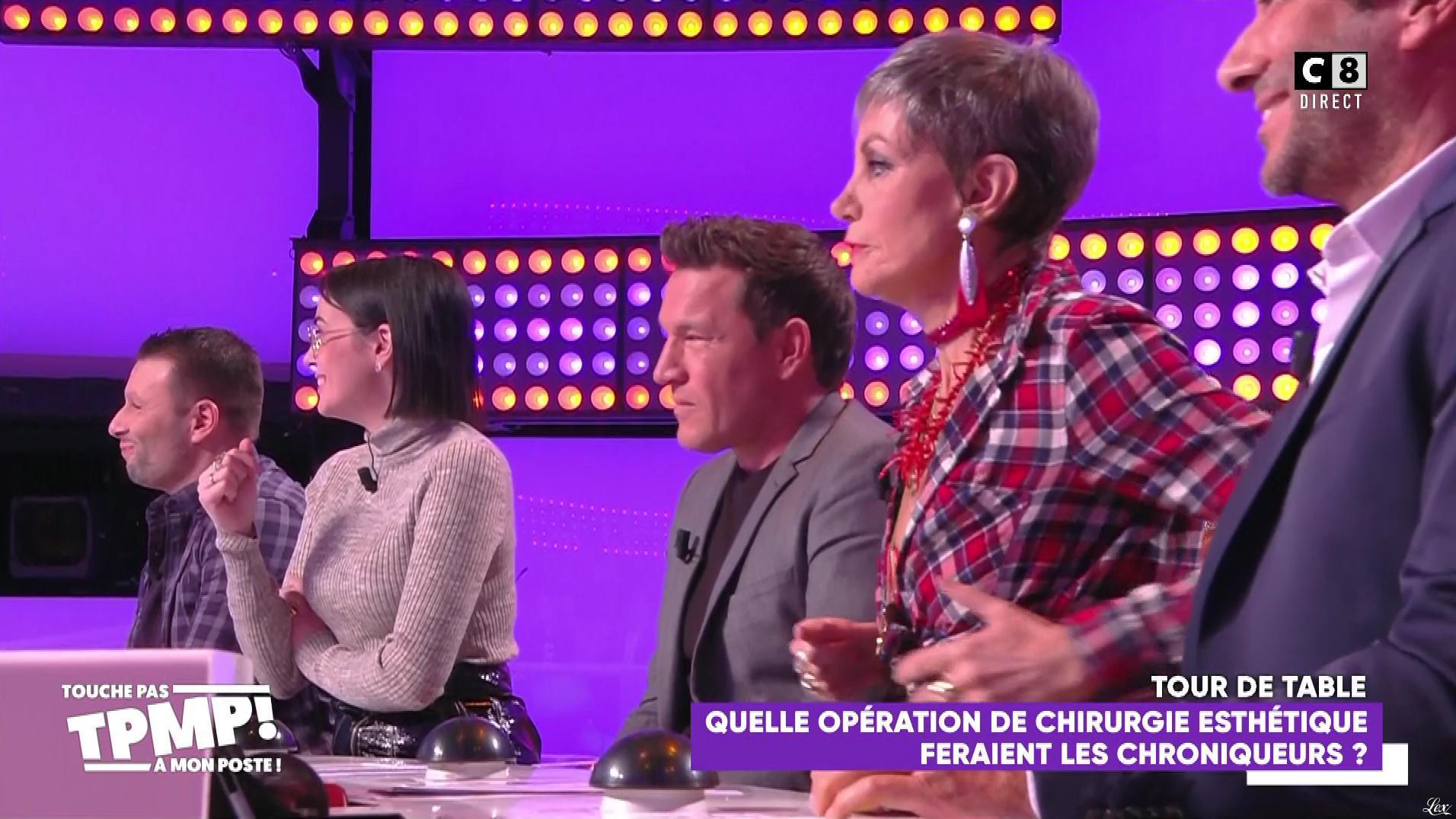Agathe Auproux dans Touche pas à mon Poste. Diffusé à la télévision le 18/11/19.