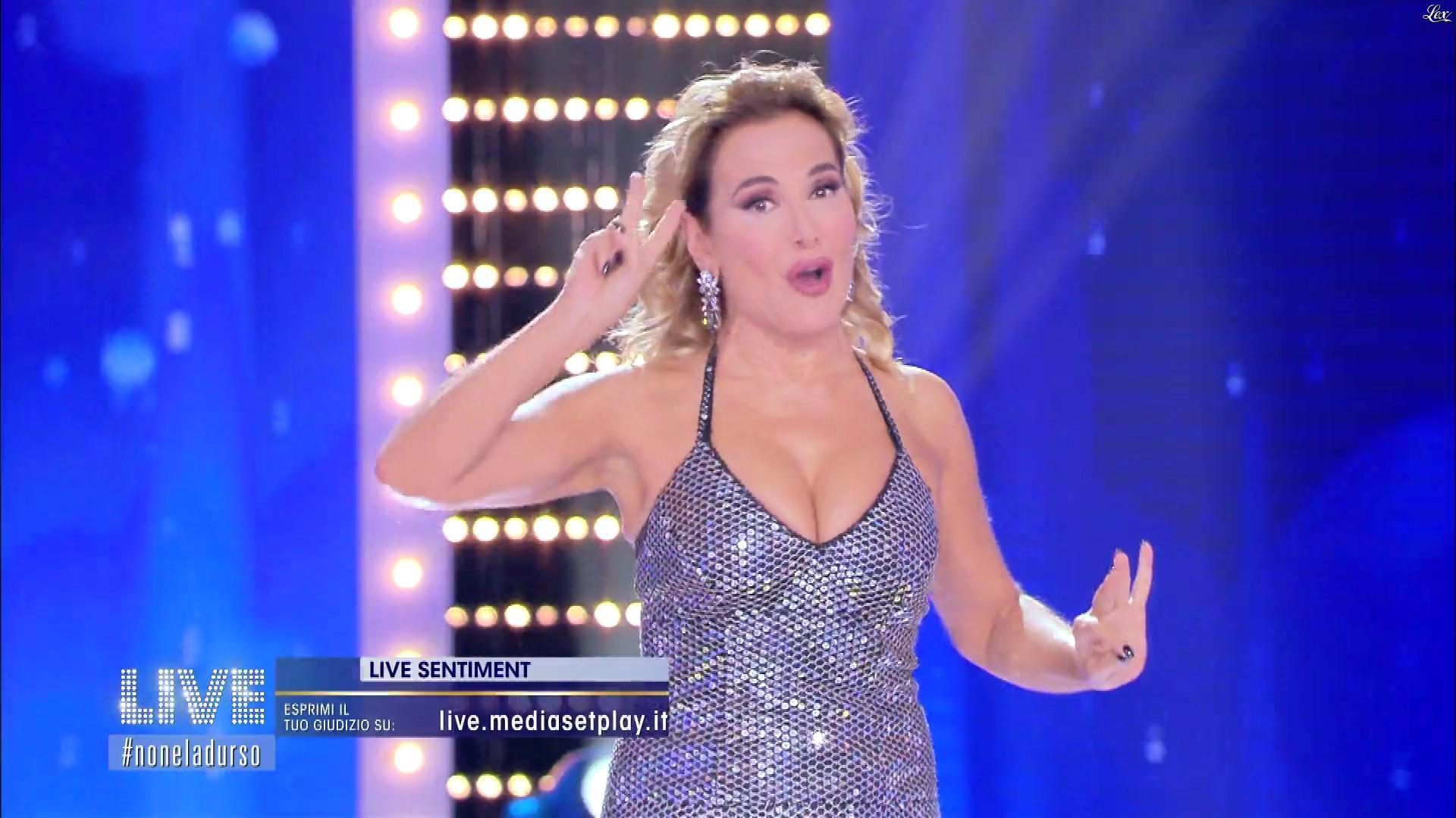 Barbara d'Urso dans Live Non è la d'Urso. Diffusé à la télévision le 06/10/19.