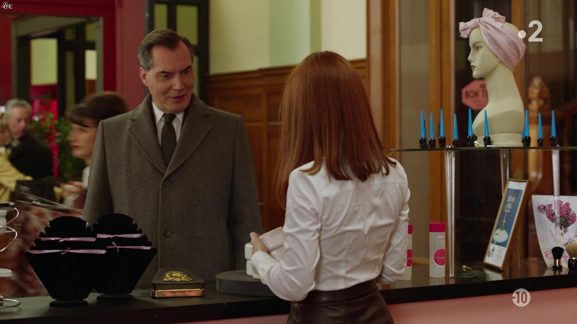 Blandine Bellavoir dans les Petits Meurtres d'Agatha Christie. Diffusé à la télévision le 04/10/19.