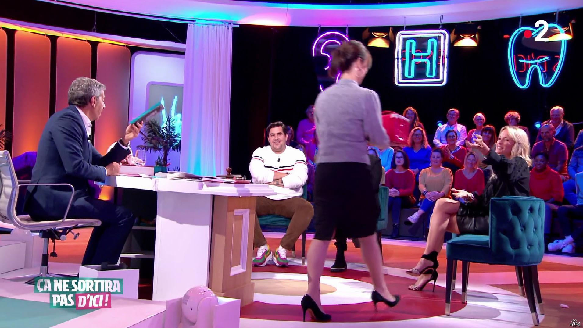 Estelle Lefébure dans Ça Ne Sortira pas d'Ici. Diffusé à la télévision le 20/11/19.