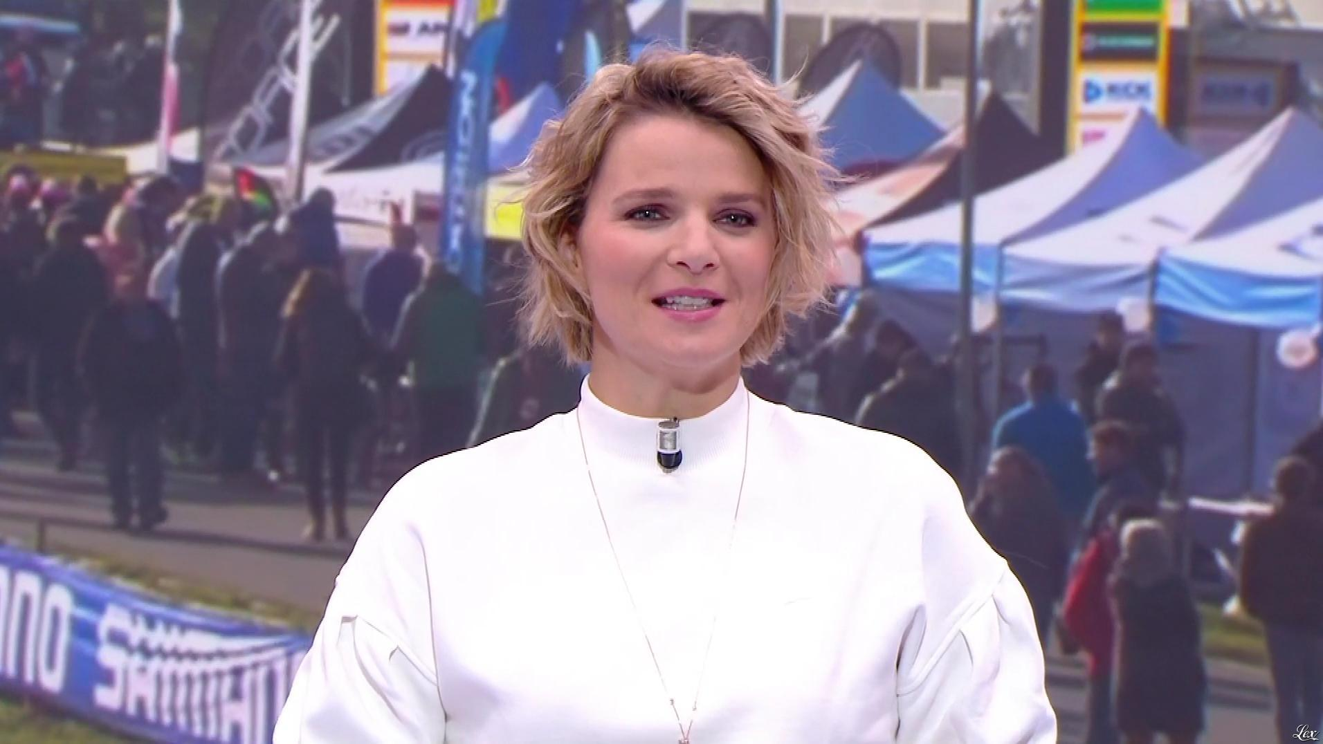France Pierron dans les Grands Live. Diffusé à la télévision le 16/11/19.