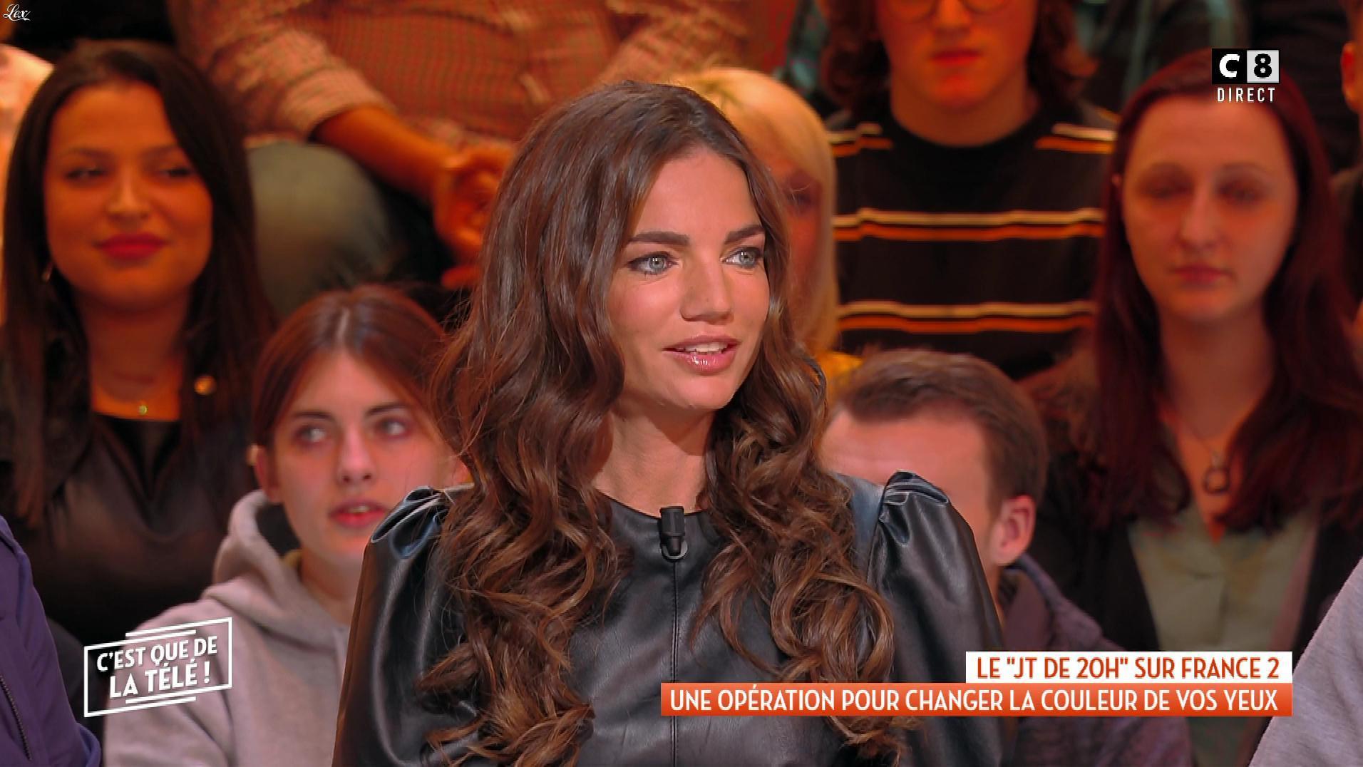 FrancesÇa Antoniotti dans c'est Que de la Télé. Diffusé à la télévision le 14/01/20.