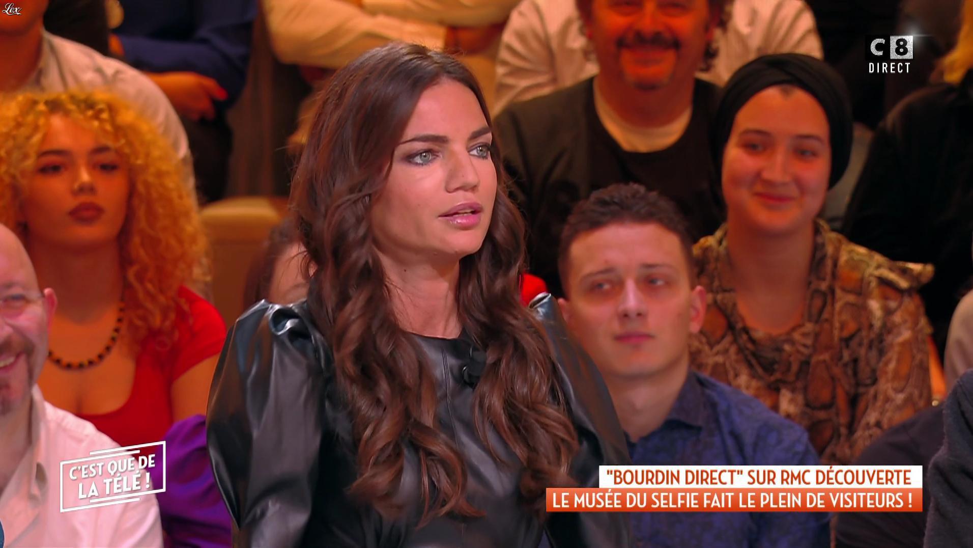 FrancesÇa Antoniotti dans c'est Que de la Télé. Diffusé à la télévision le 28/11/19.