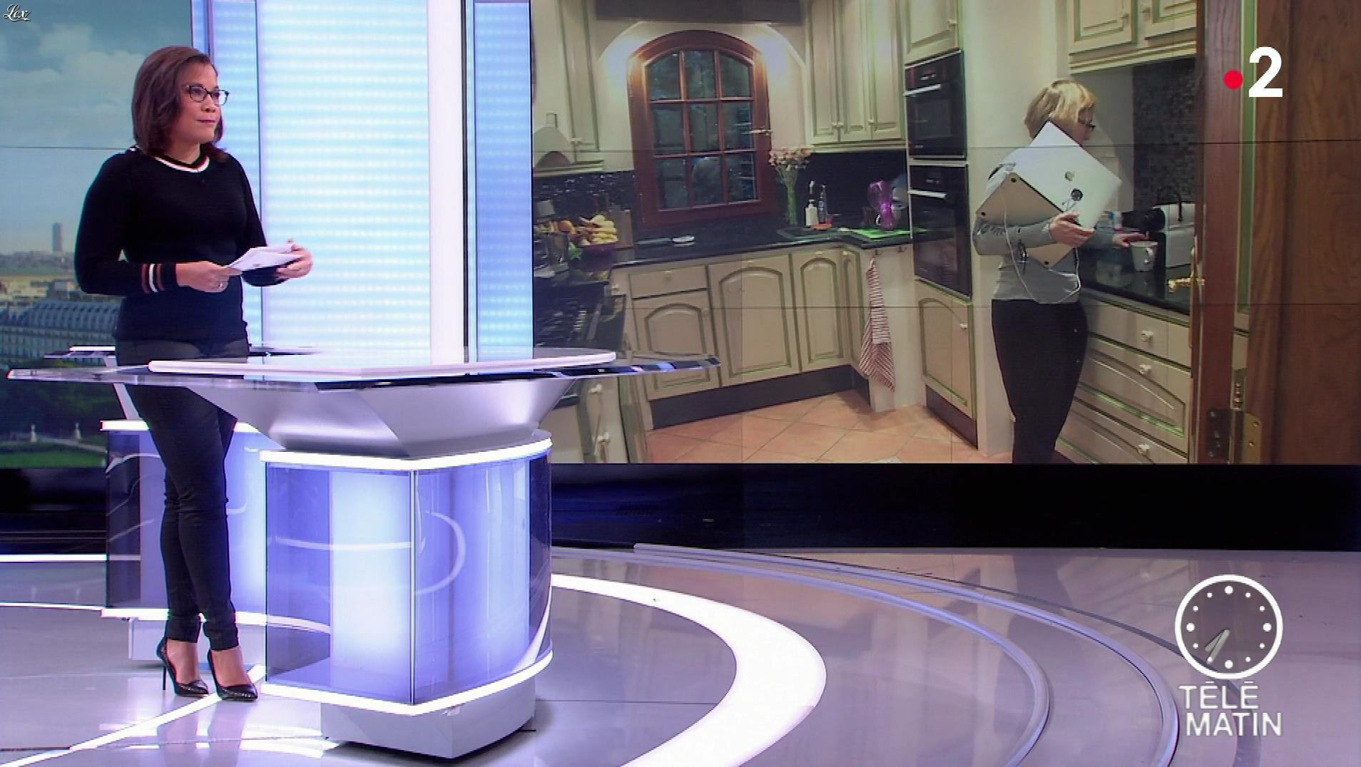 Karine Baste-Régis dans Télématin. Diffusé à la télévision le 15/11/19.
